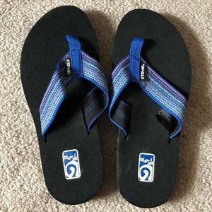 267ccb5bb20623 Teva Shoes - Teva Mush Flip Flops